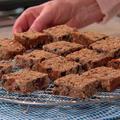 ヘルシーなシリアル・バー・クッキーの、砂糖を使わないレシピ(ドライフルーツがたくさん!)