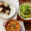 豆のベーコン煮、クレソンサラダ&アボカド・ドレッシング、ビーフ・ハッシュ&ベイクド・ポテトの30分レシピ(byジェイミー)
