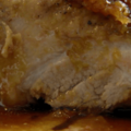 ハチミツとオレンジの絞り汁で焼く、鴨のもも肉